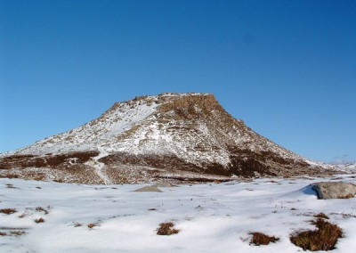 Snowy summit of Dun Caan